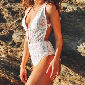 NWT Cupshe Lace Overlay Floral One Piece Swimsuit